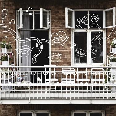 Colgar papeles de colores, flores o luces LED, algunas ideas de Ikea para disfrutar de nuestras ventanas