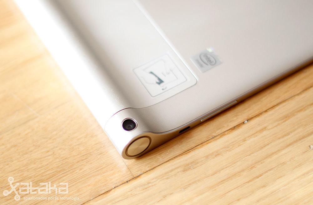 Foto de Lenovo Yoga Tablet 2 (8/20)