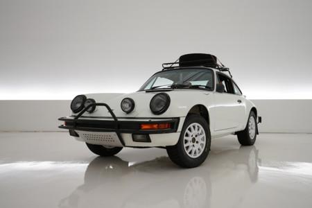Participa en la subasta de este Porsche 911 Carrera de rally tan especial, estarás haciendo algo bueno