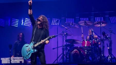 Los Foo Fighters se convirtieron en los más grandes trolls al 'RickRollear' a todo un festival en directo