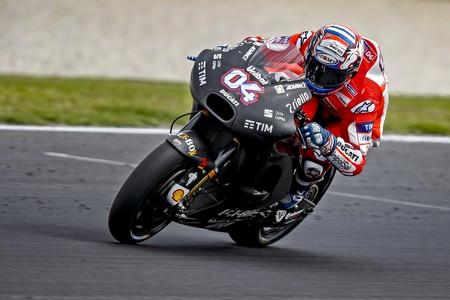 """Andrea Dovizioso tampoco está contento con su Ducati: """"tendremos que mejorar a la moto en curva"""""""