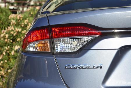 Toyota Corolla Hybrid 2020 13