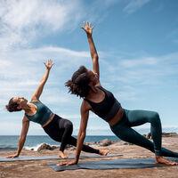 Decathlon presenta su nueva marca Kimjaly, dirigida a la práctica del Yoga accesible y ecológica