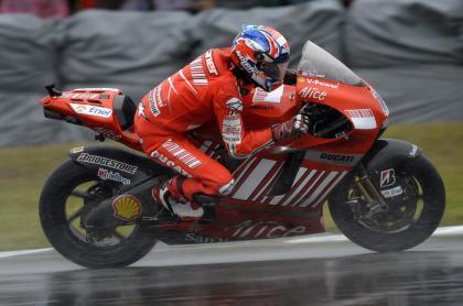 Stoner consigue la pole mientras los de Michelin se ahogan en Brno