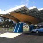 El parasol DRIVECO de Peugeot es el último grito en estaciones solares de recarga para coche eléctrico