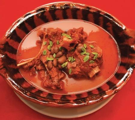 Gastronomia Puebla Alimentos Imperdibles Cocina Poblana Mexico Que Comer Huazmole