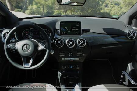 Mercedes Benz Clase B 2015 - interior