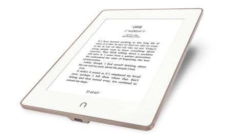 La competencia le enseña el camino al Kindle: primero la retroiluminación, ahora la resistencia al agua