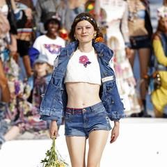 Foto 21 de 24 de la galería desigual-ha-sido-la-firma-encargada-de-inaugurar-la-primera-edicion-de-la-pasarela-mercedes-benz-fashion-week-ibiza en Trendencias