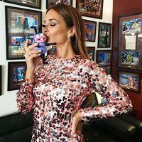 Paula Echevarría luce el perfecto vestido de fiesta en 'El Hormiguero'