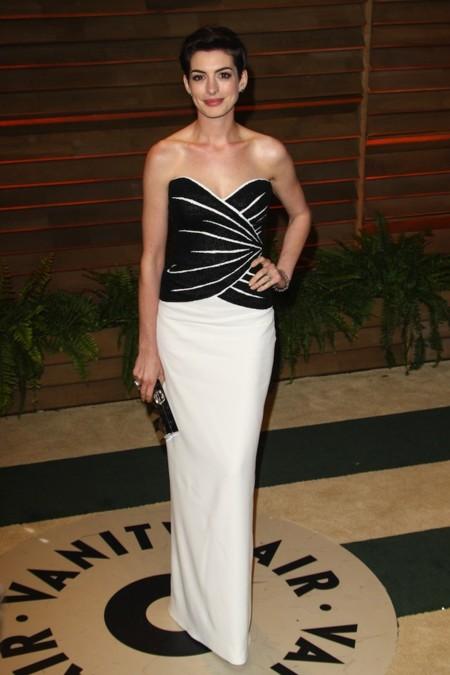 Anne Hathaway victor& rolf oscar 2014