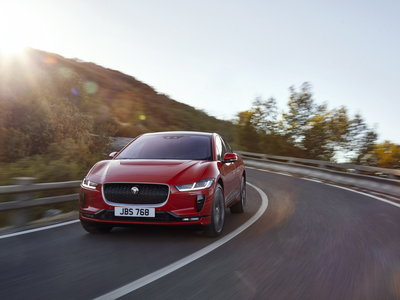 El Jaguar i-Pace está listo y no le tiene miedo al futuro ni al Tesla Model X