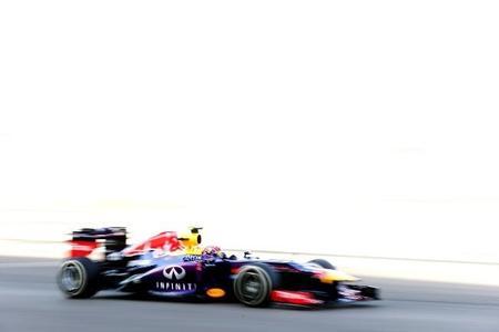 Mark Webber da la campanada y se lleva la pole en el Gran Premio de Abu Dabi