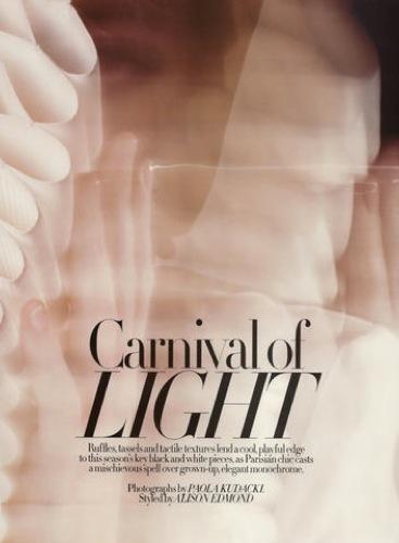 Foto de Julia Restoin-Roitfeld en el editorial de abril de Harper's Bazaar UK (3/12)