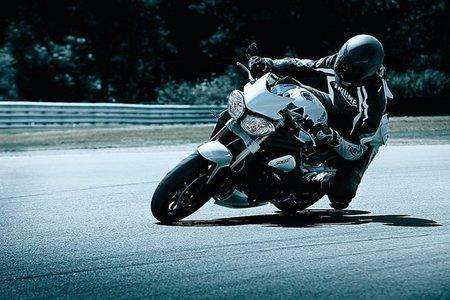 La Speed Triple en circuito