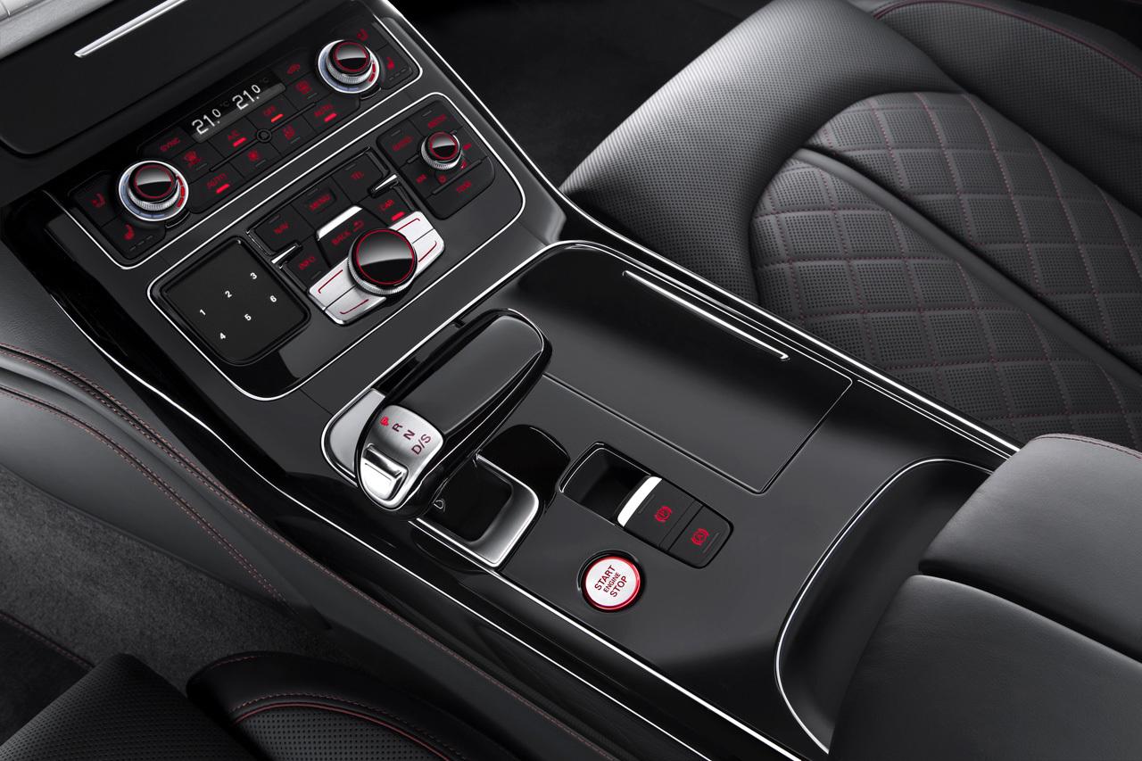 Audi S8 Plus 19 23