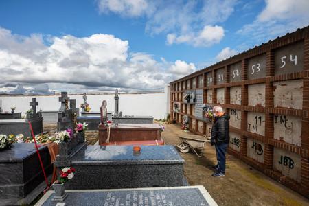 ¿Cuánto cuesta morirse? En plena epidemia, el precio de enterrar se ha convertido en un problema común