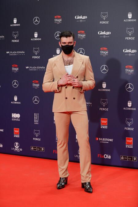 Fernando Valdivieso Alfombra Roja Red Carpet Premios Feroz 2021 Trendencias Hombre 01
