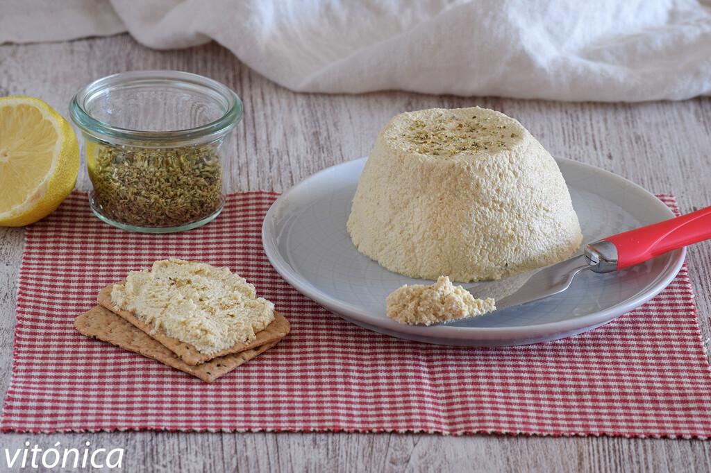 Requesón o ricotta vegana: receta saludable rica en proteínas, naturalmente sin lactosa