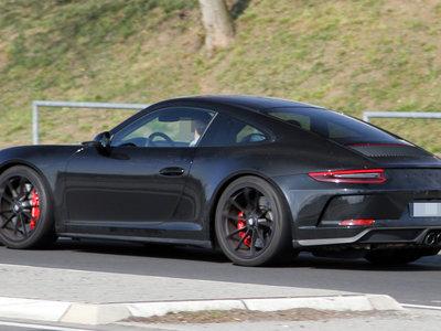 Porsche deja ver un 911 GT3 sin alerón en Nürburgring. ¿Estamos ante un nuevo 911 R?
