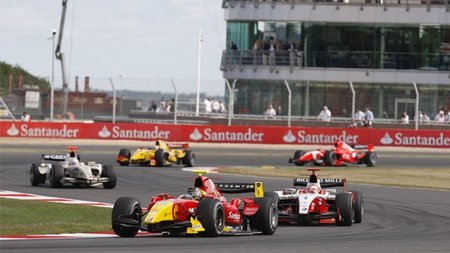 GP2 Gran Bretaña 2010: Pastor Maldonado refuerza su liderato