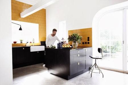 Cocina en amarillo mostaza