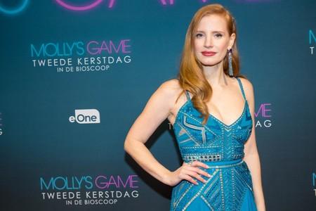 El azul también es para pelirrojas: Jessica Chastain brilla más que nunca en Amsterdam