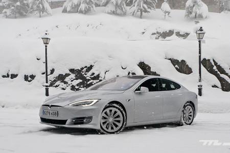 Tesla Model S prueba invernal