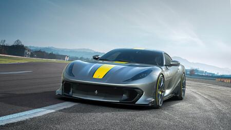 Ferrari 812 Competizione 1