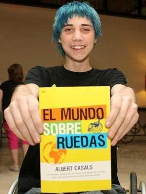 El chico que viajó desde Barcelona a Nueva Zelanda en silla de ruedas (y sin dinero)