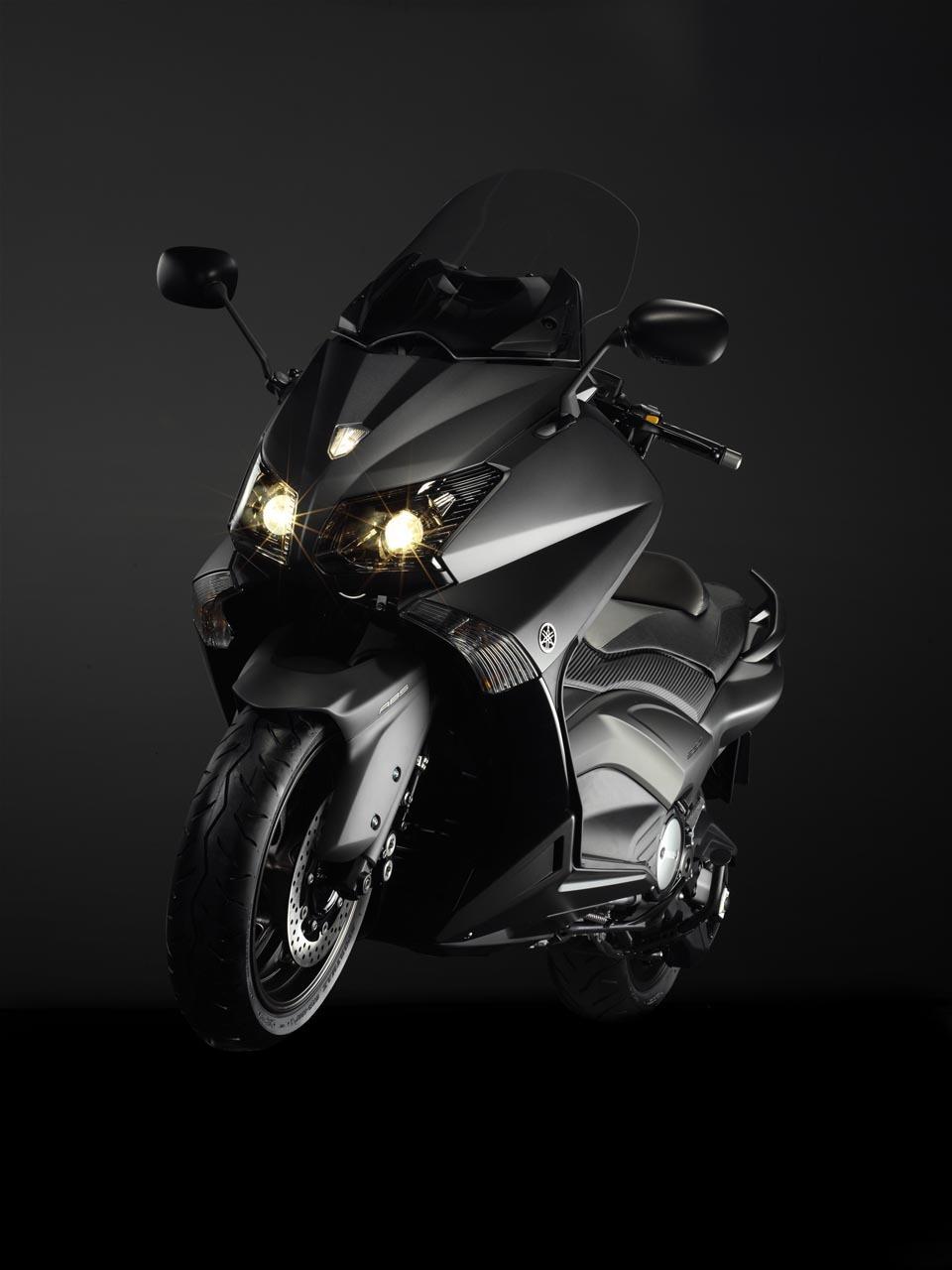 Foto de Yamaha T-Max 2012, fotos de estudio (15/25)