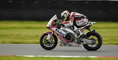 Superbikes Rusia 2013: Davide Giugliano da la sorpresa en la Superpole y Tom Sykes sufre una caída