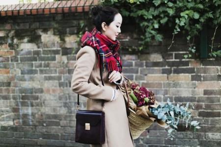 El detalle que diferencia tu abrigo beige de los demás