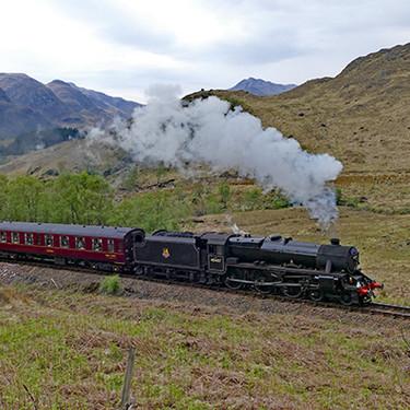 Una familia queda atrapada en las altas tierras de Escocia y es rescatada por el mismísimo Hogwarts Express