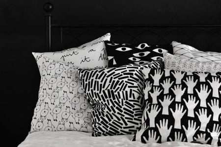 Los monocromáticos textiles con estampados gráficos de bastisRIKE