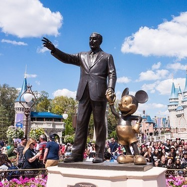 Este verano, viaja en tren desde España al corazón de Disneyland Paris