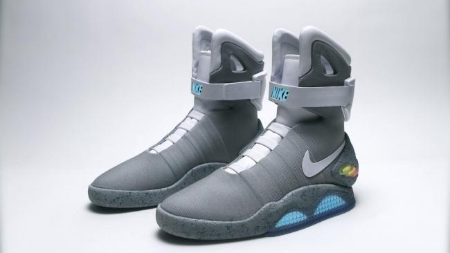 Alivio Inhibir Sonrisa  Las zapatillas de Nike Air MAG de Marty McFly que se auto-atan estarán  disponibles muy pronto [Actualizada]