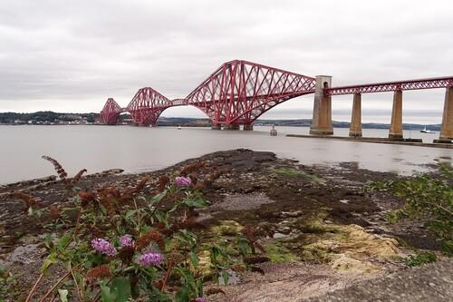 Forth Bridge y otros puentes unidos para siempre a la Familia Real Británica
