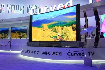 """TCL muestra músculo: televisor de 110"""" y un modelo más interesante de 55"""", 4K y Quantum dot"""