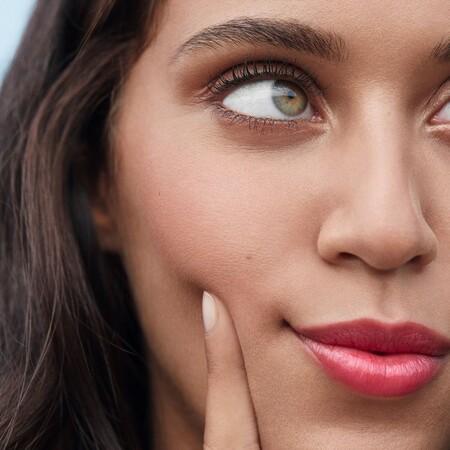 Cómo empezar a cuidar la piel de la cara si tienes menos de 25 años: rutina y productos para tratar la piel joven