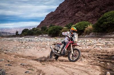 Así recuerda Laia Sanz cómo hizo historia en el Dakar 2015
