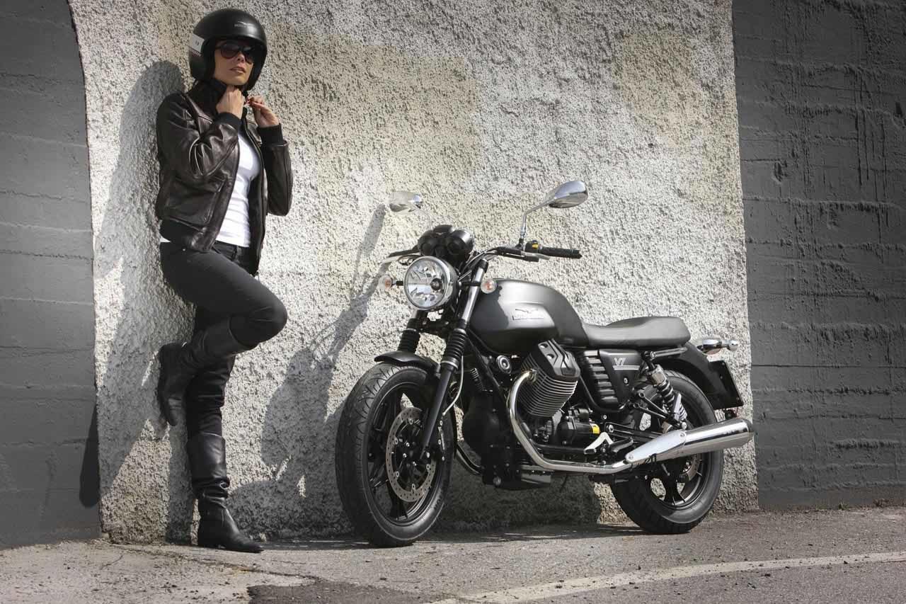 Foto de Moto Guzzi V7 Stone (49/57)