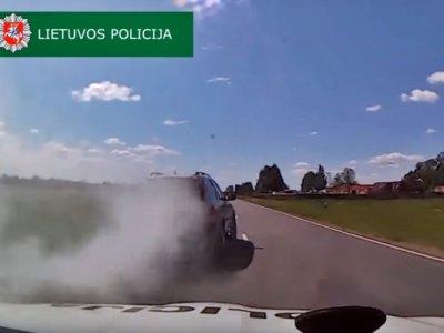 El James Bond lituano lleva un Volvo: humo y pinchos contra la policía en plena persecución