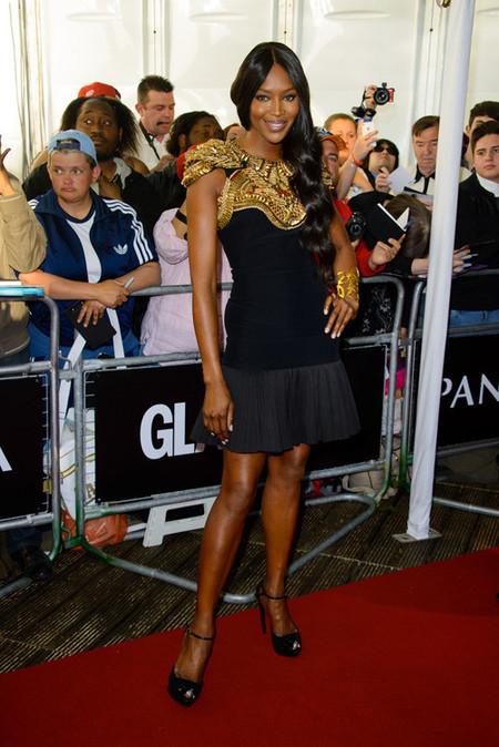 Elegancia en el reino de su graciosa majestad en los premios Glamour a la Mujer del Año