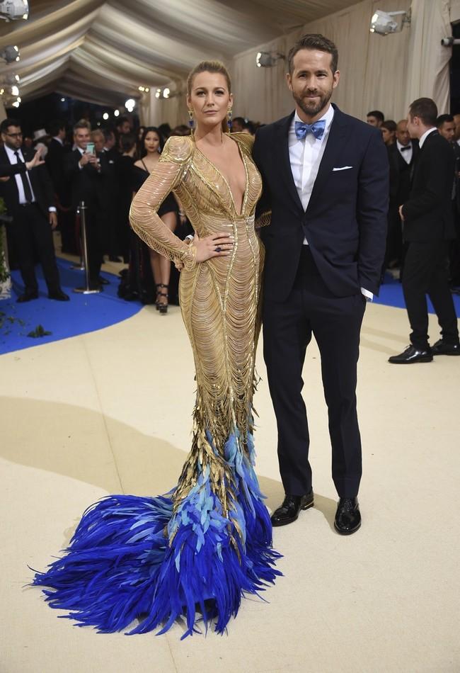 mejor vestidas 2017 alfombra roja Blake Lively De Atelier Versace