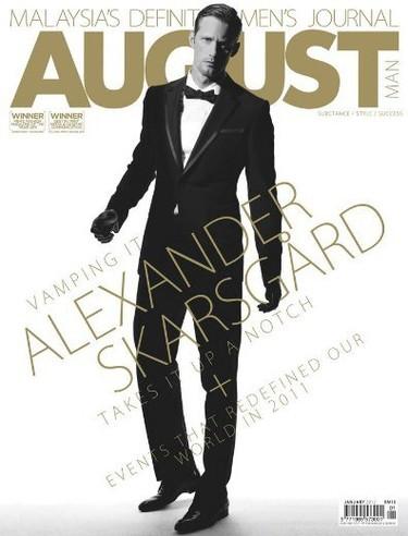 Alex Skarsgard, ponte el smoking y llévame al baile