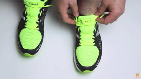 Nervio ojo suficiente  Aprende a atar los cordones de tus zapatillas de running según tus  necesidades