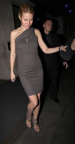 gwyneth vestido asimetrico