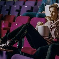 Millie Bobby Brown se convierte en el mejor reclamo para demostrar que Converse sigue molando
