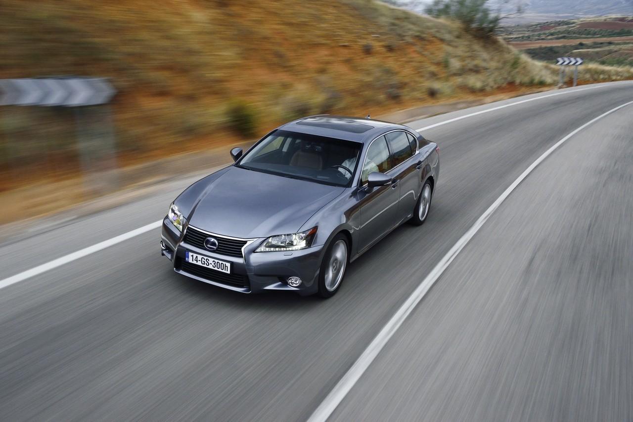 Foto de Lexus GS 300h (136/153)